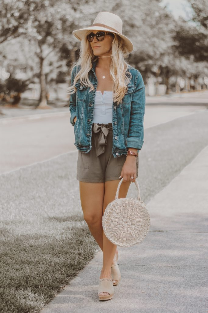 Fashion Forward Elastic-Waisted Shorts? Ummm….YES PLEASE!! | Top 5 Reasons Why I'm Loving The Paper Bag Waist Trend