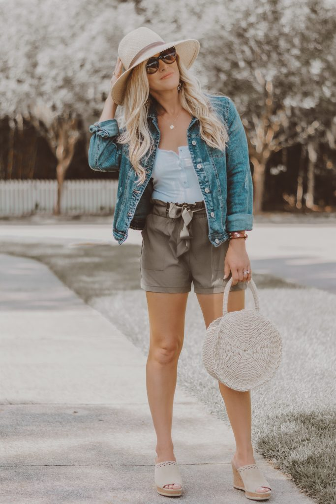 Fashion Forward Elastic-Waisted Shorts? Ummm....YES PLEASE!! // Why I'm Loving The Paper Bag Waist Trend // BreeAtLast.com